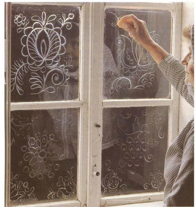 Как сделать красивые узоры на окне