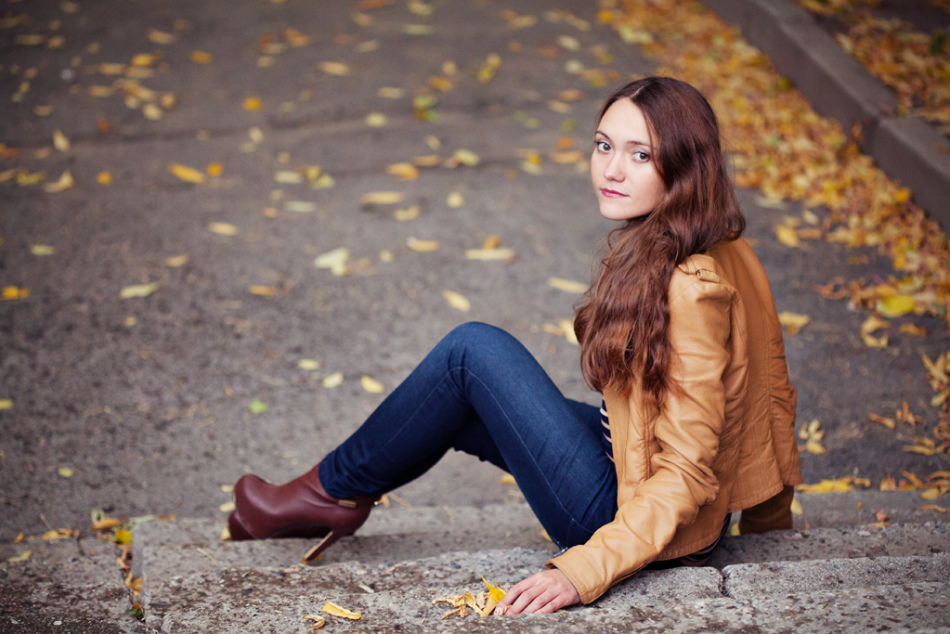 Нежная девушка красиво умеет позировать фото 170-502