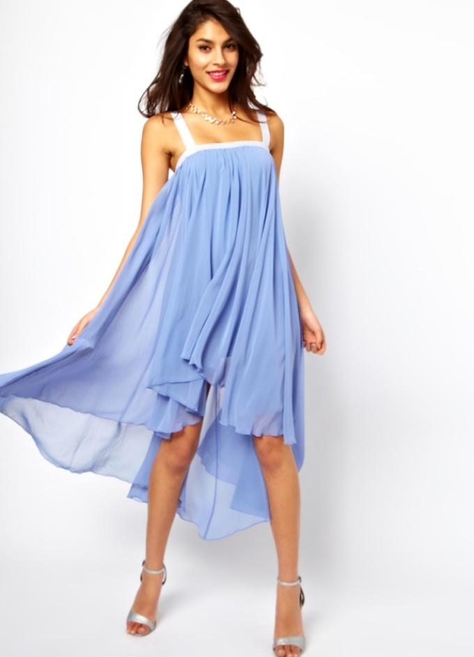 Юбка в простом платье без выкройки из шифона может идти прямо от линии груди