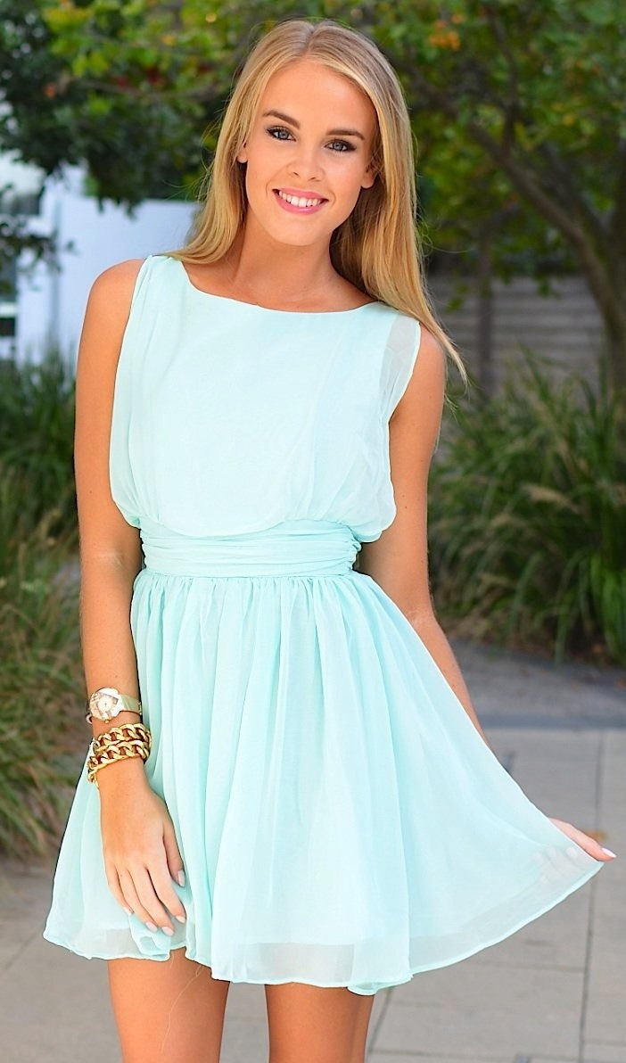 летние платья магазины в москве адреса