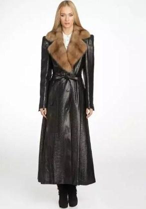 Кожаное пальто длинное с мехом женское