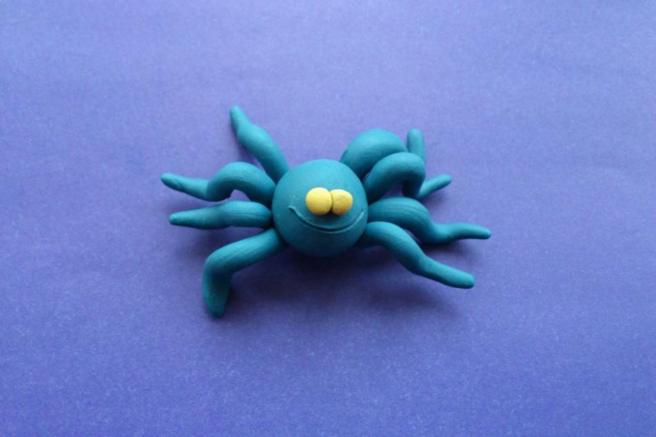 Как сделать из пластилина пауков 748