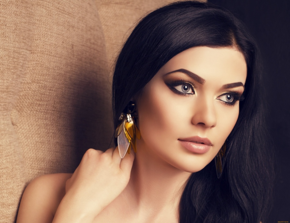 картинки на аватарку для девушек брюнеток