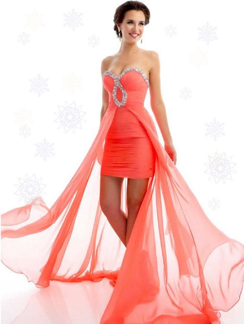 Короткое платье с прозрачной юбкой