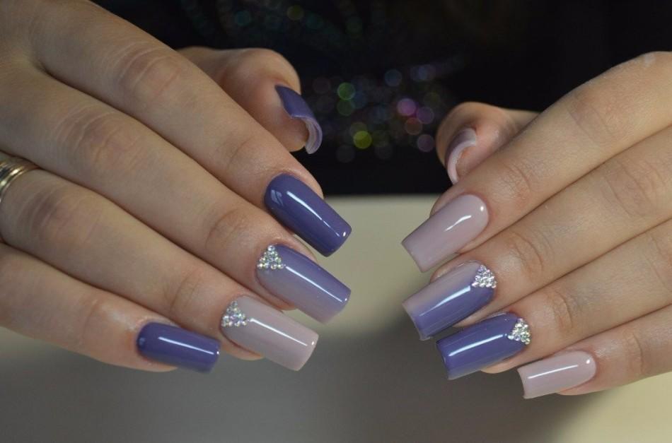 Омбре на ногтях вертикальное