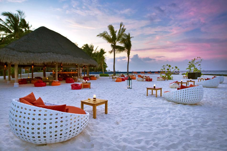 Где провести медовый месяц? Свадебный отдых за границей летом в июне, июле, августе