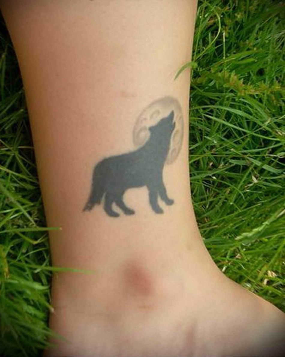 Фото татуировок волк на ноге