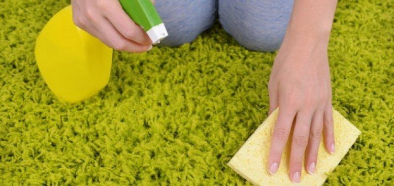 Как сделать раствор для чистки ковров