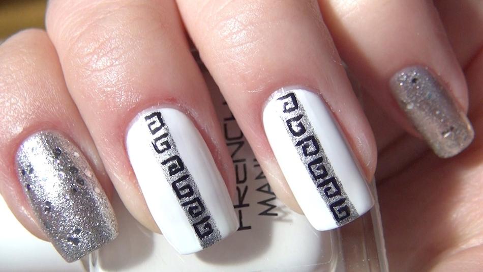 Дизайн с серебром ногти