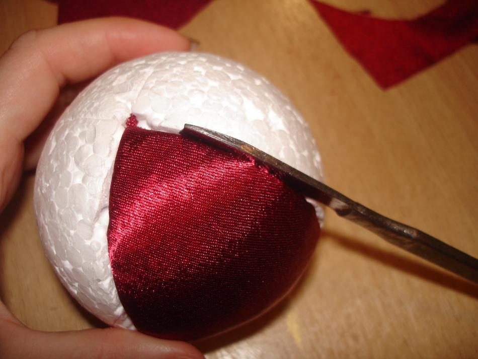 Елочные шары своими руками из пенопластовых