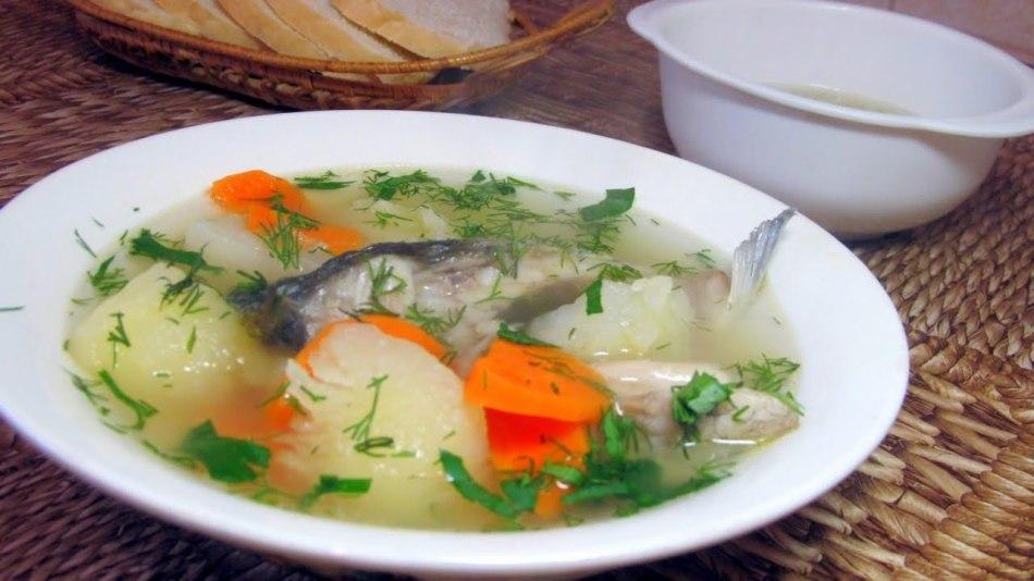 Рыбный суп из речных