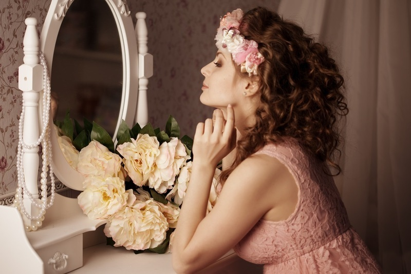 Зеркало девушке в подарок можно ли дарить