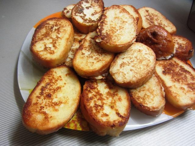 рецепт хлеб жареный в яйце и молоке с сахаром
