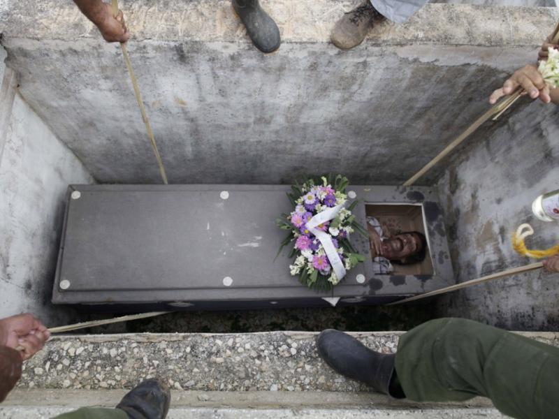 для почему гробы в крематрии узкие телефоны