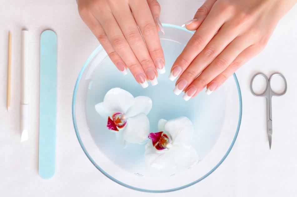 Из чего сделать ванночку для ногтей в домашних условиях 942