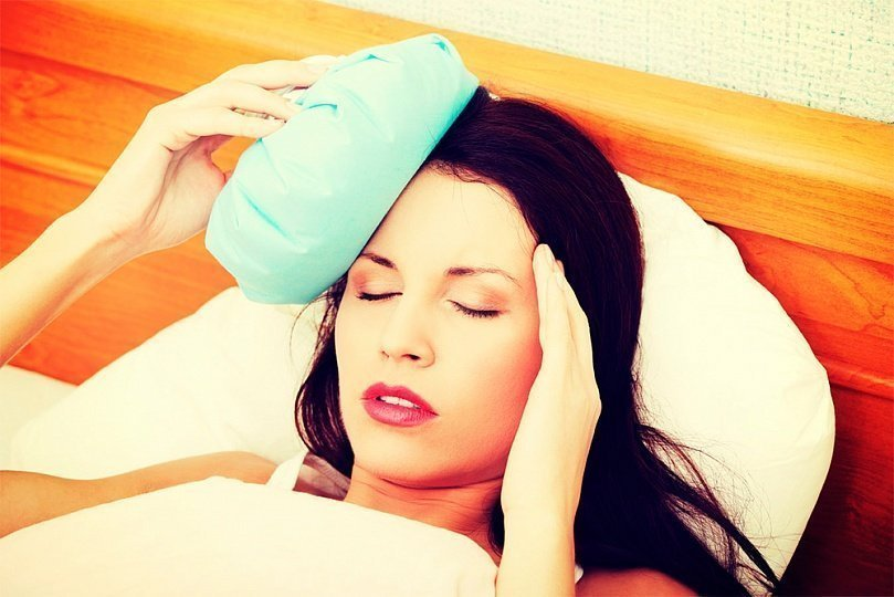 Почему болит голова после родов