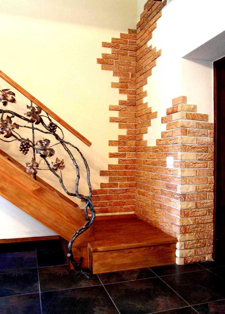 Пример №5 отделки внутренней части дома декоративным камнем из гипса
