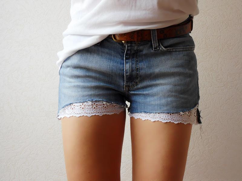 Как сделать шорты с кружевом из старых джинсов