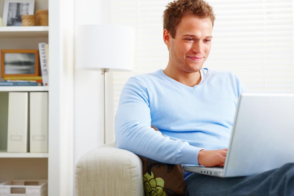 Виртуальное общение с раскрепощенной девушкой