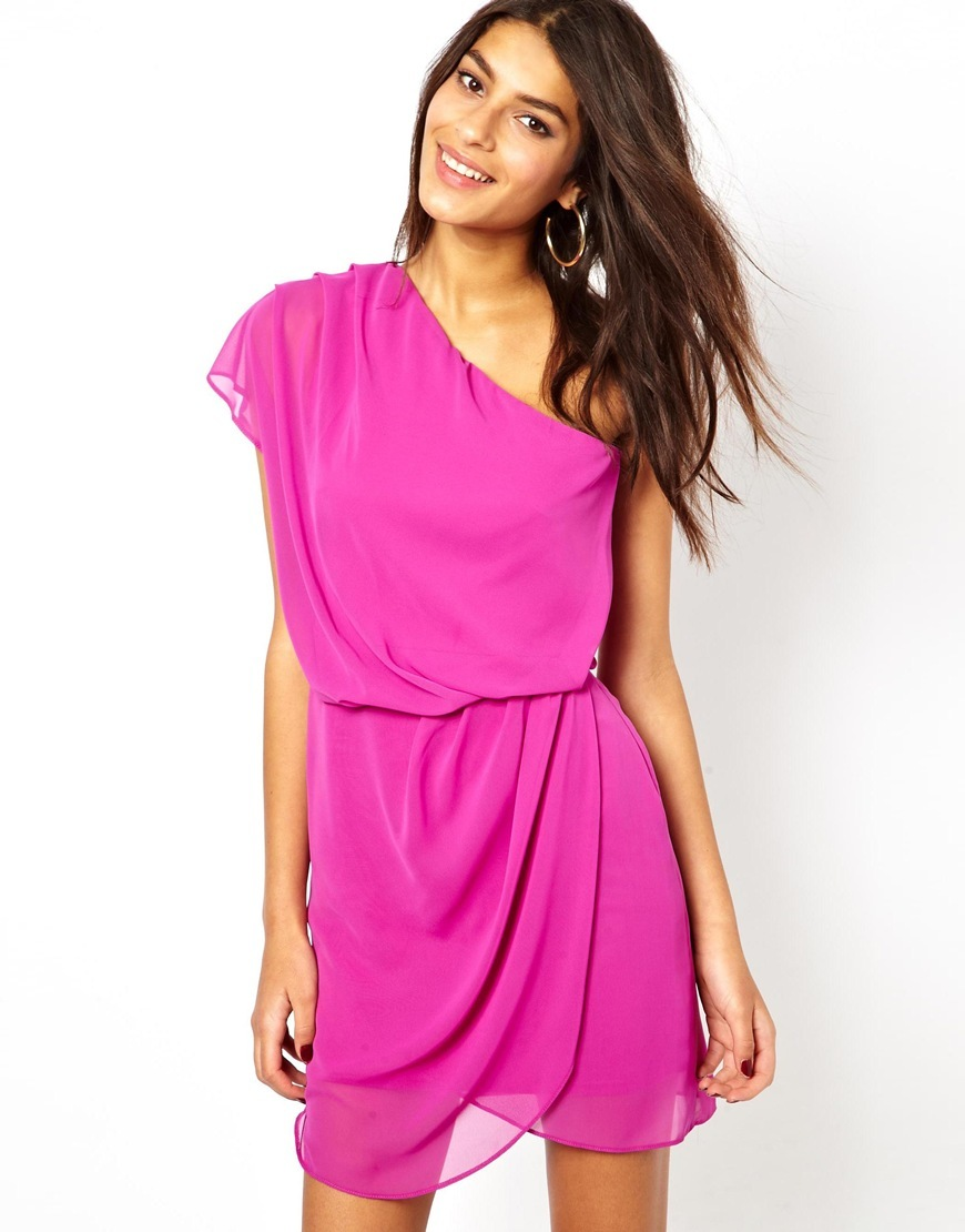 Простое платье из шифона без выкройки с запахом может быть коротким
