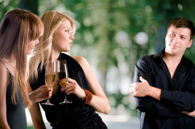 Как правильно выбрать тактику знакомства с женщиной
