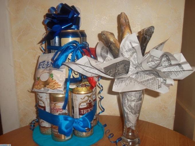 Подарок мужу из пива и рыбы своими руками фото