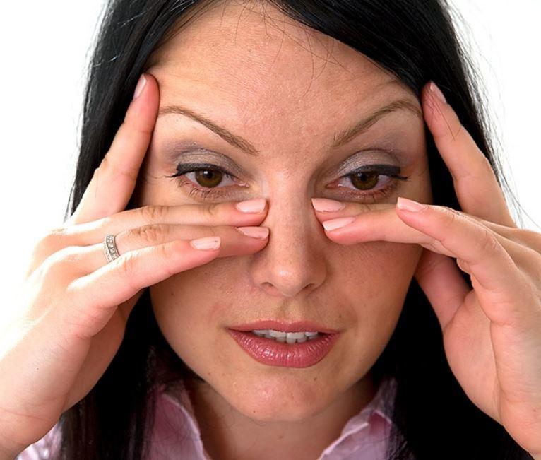 Главная задача - вызвать отток скопившихся вредных веществ из пазух носа