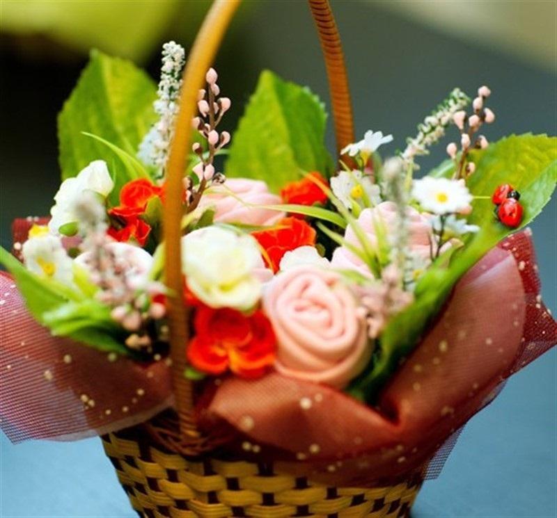 Букеты из цветов для девочек