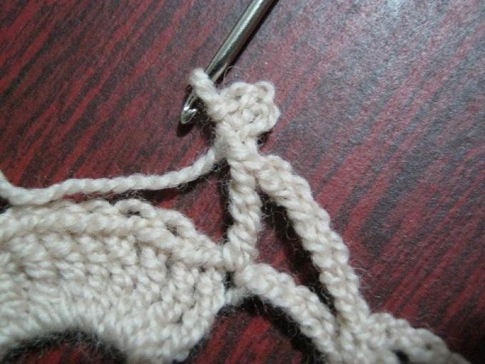 Вязание салфетки крючком, 8 ряд, пико из 4 воздушных петель