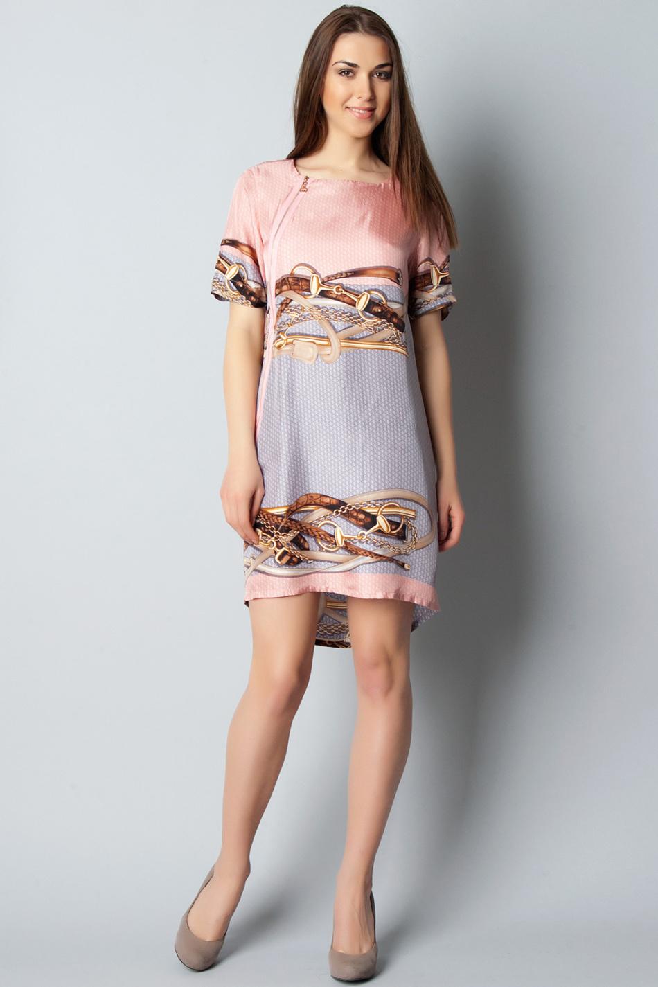 Простое шёлковое платье не нуждается в массе воланов и оборочек