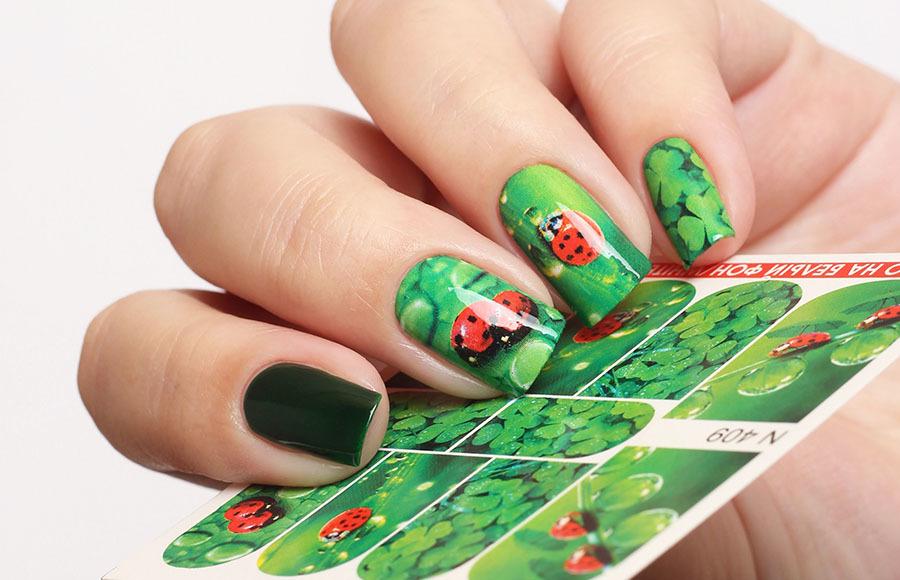 Дизайн на ногтях божья коровка