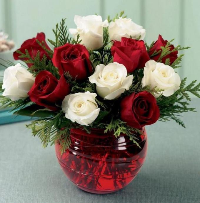 Что добавить в воду с розами чтобы дольше стояли