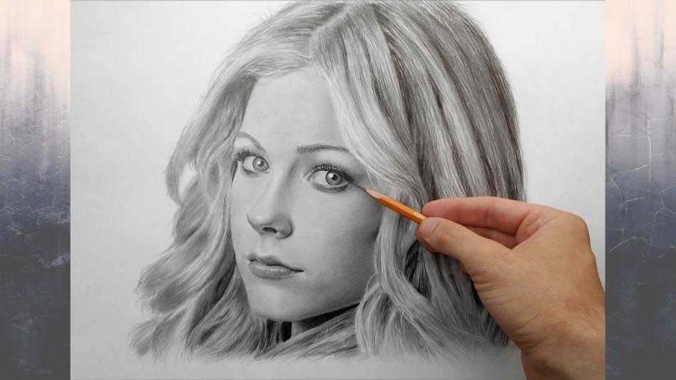 Фото рисующего портрет