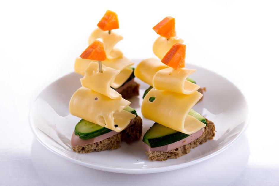 как сделать канапе на хлеба сендвический шпажках фото рецепты