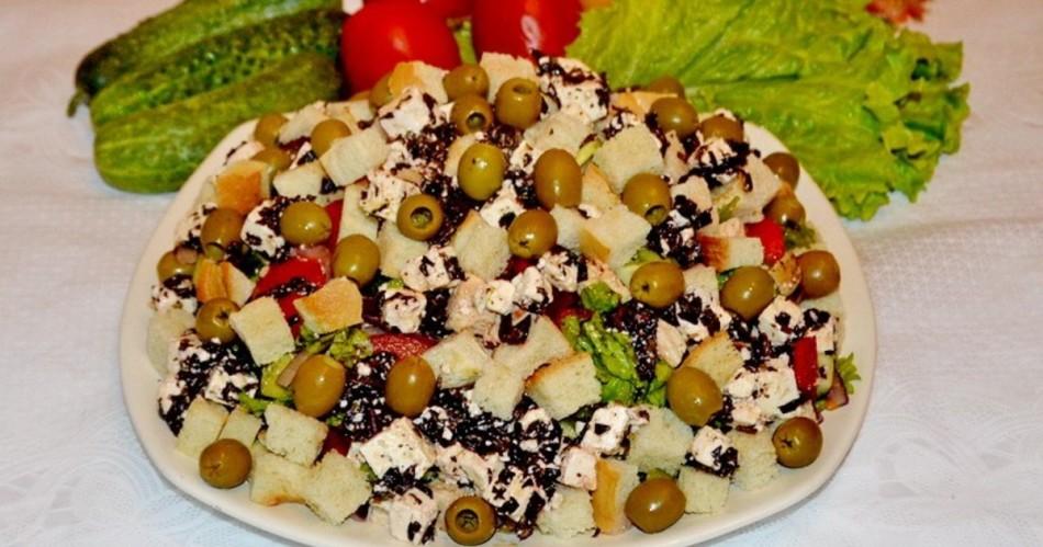Салат с кириешками к праздничному столу