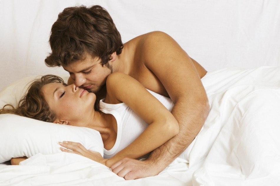 Во время секса много влажнлсти