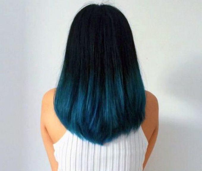 Концы волос синие