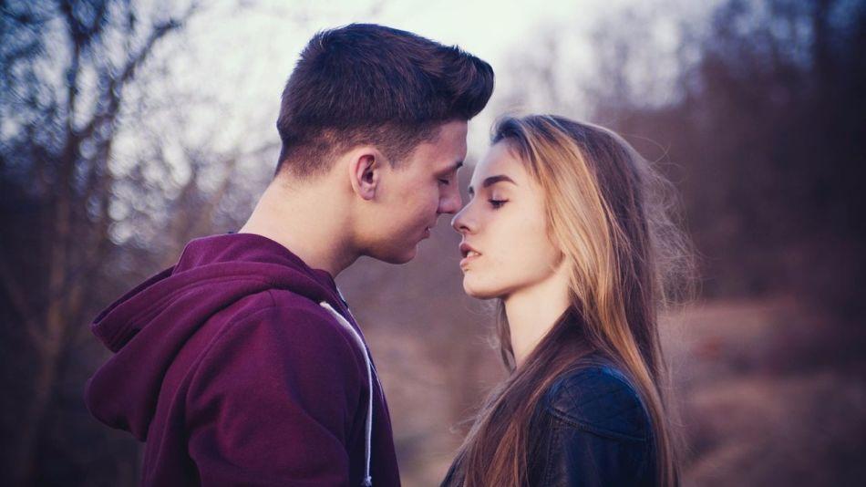 Значение поцелуя парня, мужчины в нос