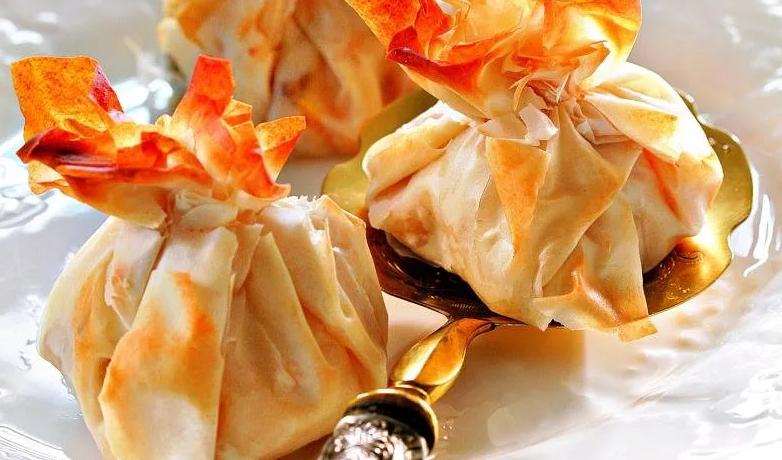 Пирожки из слоеного теста фило
