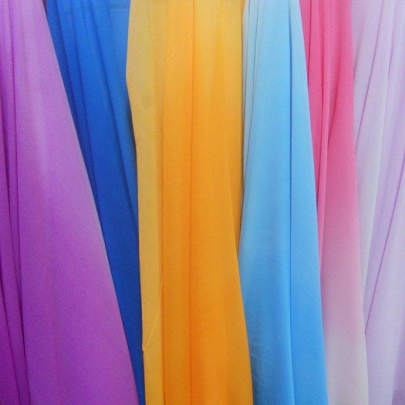 Из шифона получаются превосходные простые платья, очень изящные