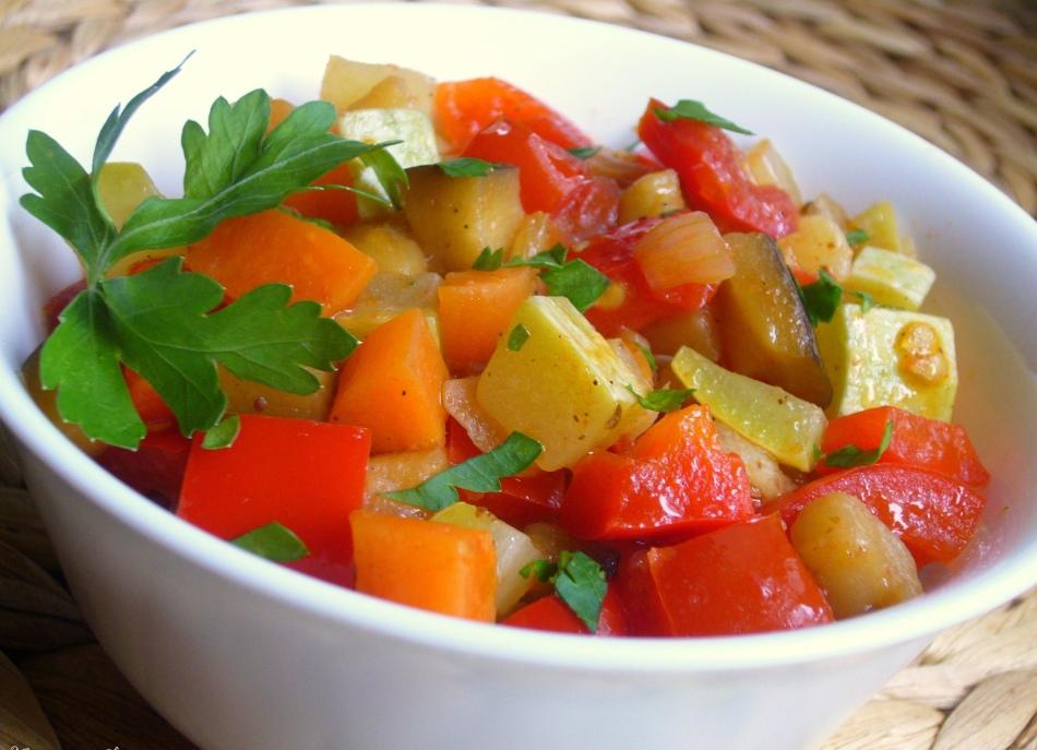 Овощное рагу с кабачками и капустой калорийность