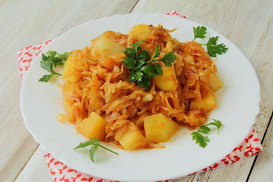 Как тушить капусту с картошкой в кастрюле пошаговый рецепт