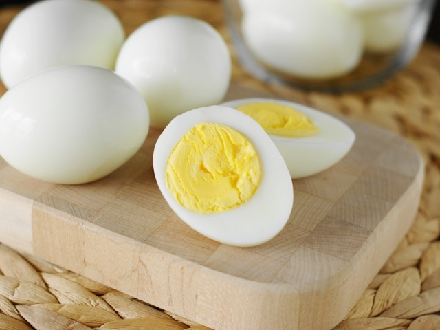 сколько варить яйца в мешочек после закипания воды
