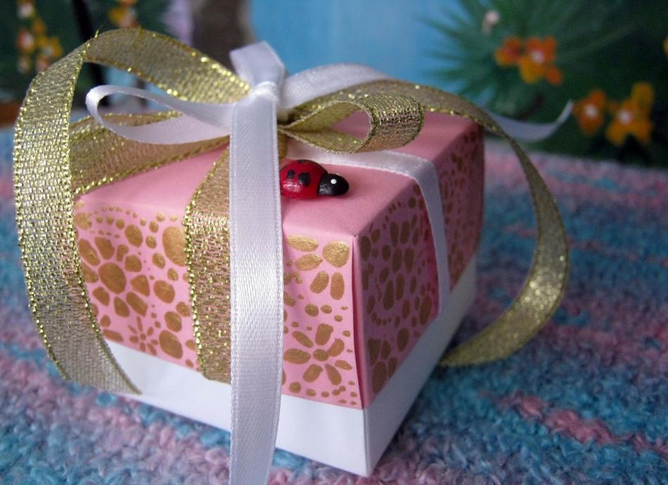 Маленькая упаковка для подарка 69