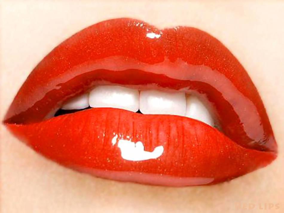 Лайфхаки для красивых губ