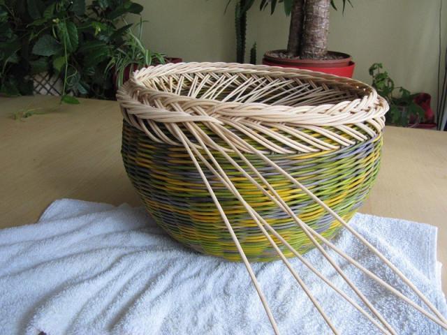 Плетение из газетных трубочек для начинающих фото пошагово коробочку
