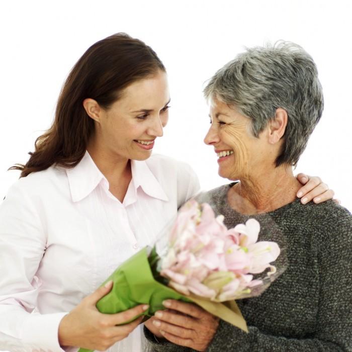 Как выбрать туалетную воду в подарок женщине 40 лет где купить домашние цветы почтой