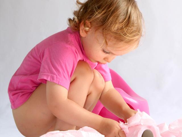Как сделать клизму ребенку при запоре
