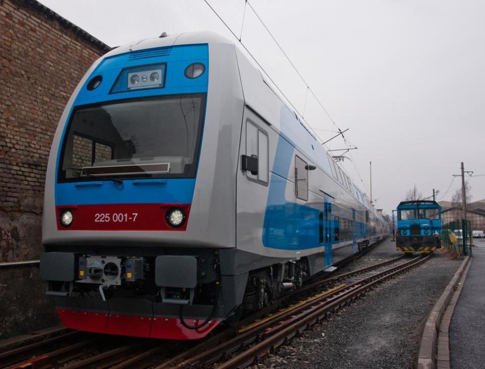 Какой транспорт безопаснее: самолет или поезд?