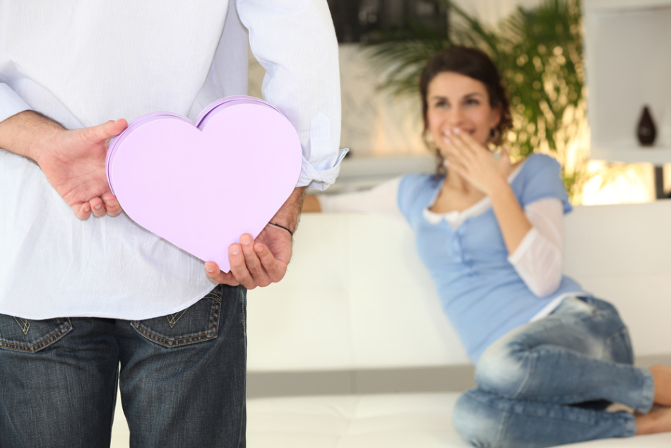 Дарить ли любовнику подарки 563